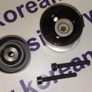 Натяжной ролик ремня ГРМ Chevrolet Cruze, Aveo 1.6 ( комплект + обводной ) 55574864