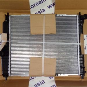 Радиатор охлаждения Chevrolet Aveo 1,2 -1,4 Sohc,  М/Т (короткий 480x415.5x16) без кондиционера 96443475
