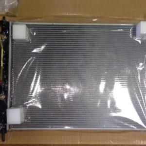 Радиатор охлаждения Chevrolet Captiva, Daewoo Winstorm 2,4 / 3,2 (после 2007 года выпуска) 96629057